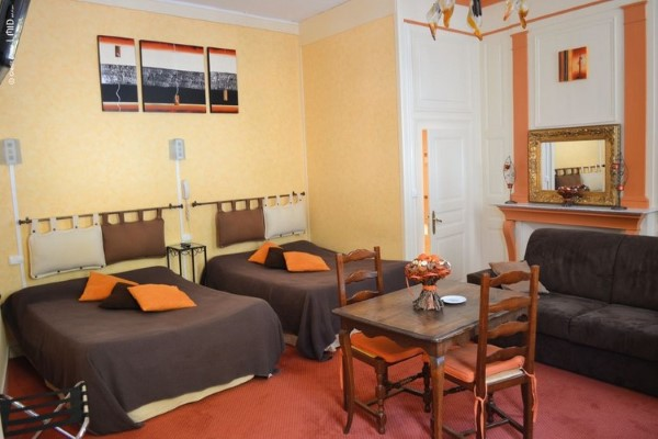 HOTEL LES PLATANES 0ef2c25688a30f3ec8d4ba645243d920 Tourime Limousin Diapo 750