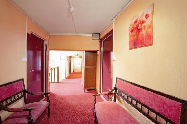 HOTEL LES PLATANES 2098a4de1c9946c8888278ac734349ad