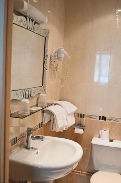 HOTEL LES PLATANES 9884738ffa1ed4102ed2d572877e850f Tourime Limousin Diapo 750