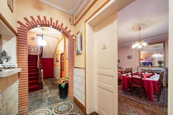 HOTEL LES PLATANES HOTEL LES PLATANES 26bc5290884b45cca06418fe2eb5c1b4 00